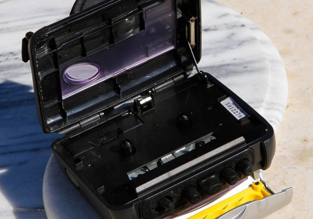 索尼 SONY WM-FS421 FM/AM 运动型磁带随身听
