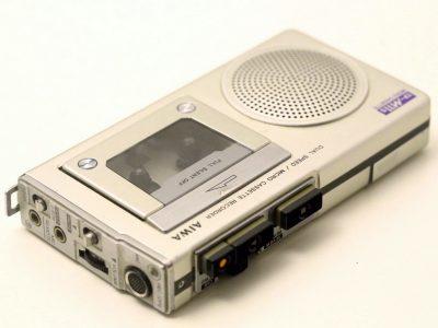 爱华 AIWA TP-11s 微型盒式磁带录音机