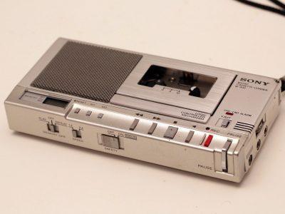 Sony M-900