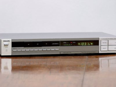 Philips F2235 Synthesizer Tuner 收音头