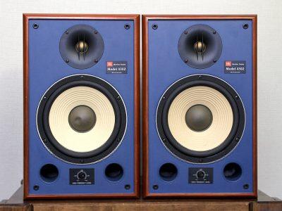 JBL 4302 音箱