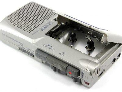 AIWA TP-M320 V-Sensor Handheld 微型磁带录音机