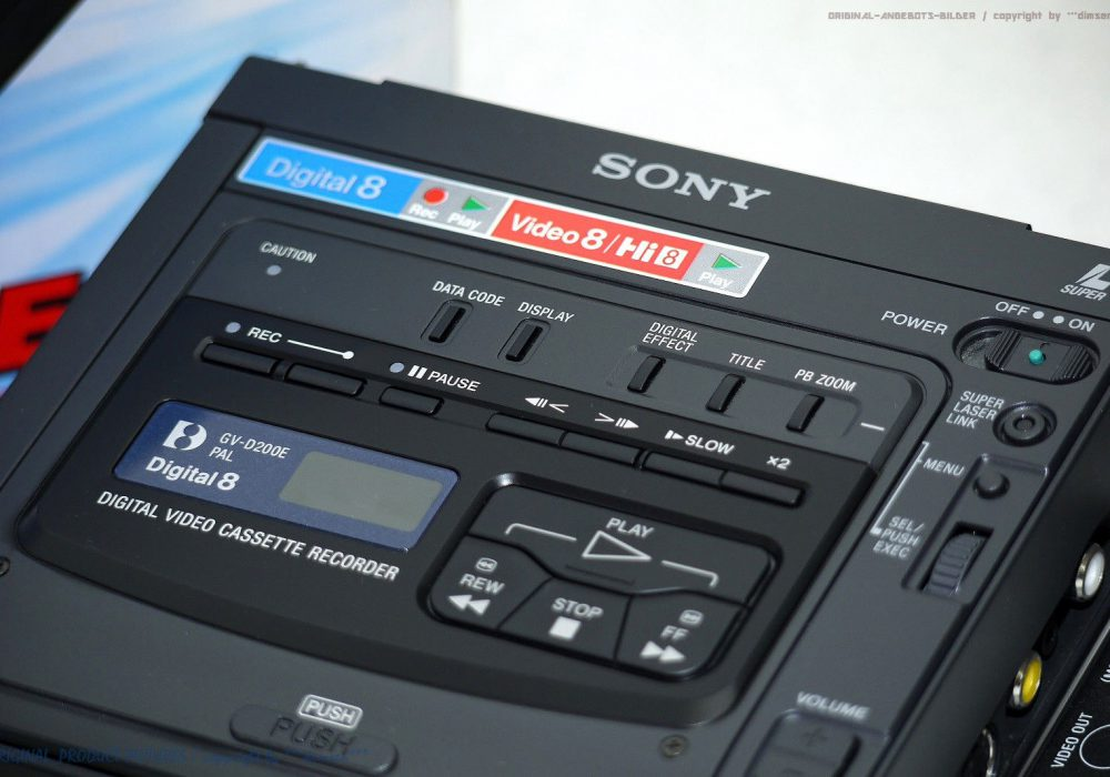 索尼 SONY GV-D200E Digital 8 Video 便携式数码录像机