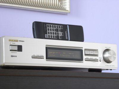 ONKYO Integra T-4711 FM Tuner 收音头