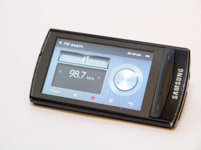 SAMSUNG YP-R1 8GB FM Radio 蓝牙 MP3播放器