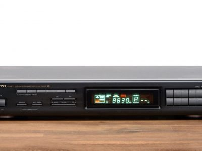 Onkyo T-4930 Synthesized FM Tuner 收音头