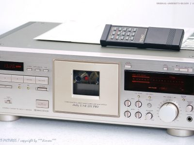 TEAC V-8000S High-End 卡座