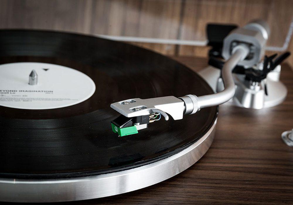 TEAC TN-400BT 黑胶唱机 + 声擎 Audioengine HD6 有源蓝牙音箱