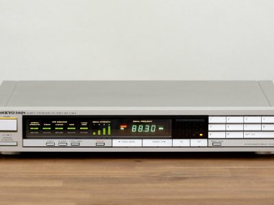 Onkyo T-4450 Synthesized FM/AM 收音头