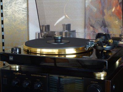 DUAL GOLDEN 1 黑胶唱机