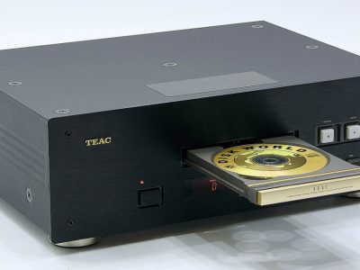 TEAC VRDS-10 Studio CD Player
