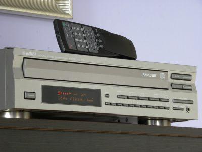 YAMAHA CDC-675 5碟连放 CD播放机