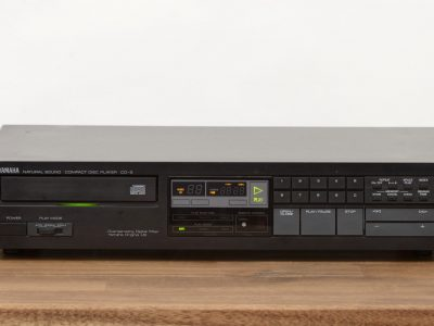 雅马哈 YAMAHA CD-2 CD-Player in schwarz