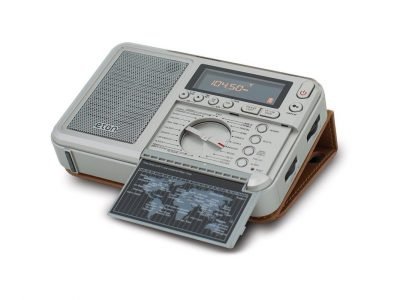 NEW ETON GRUNDIG EXECUTIVE TRAVELER SHORTWAVE RADIO