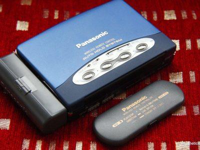 松下 Panasonic RQ S95 personal cassette player, A+++++++ sound, remote wireless, rare