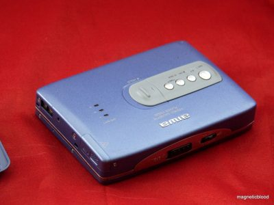 Very Rare 爱华 AIWA HS PX820 Blue Personal 磁带播放机 , restored, recap 100%