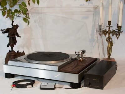 Technics SP-10MK2 + Lead Lab Plinth + SH-10E + SH-10R + Micro MA-505
