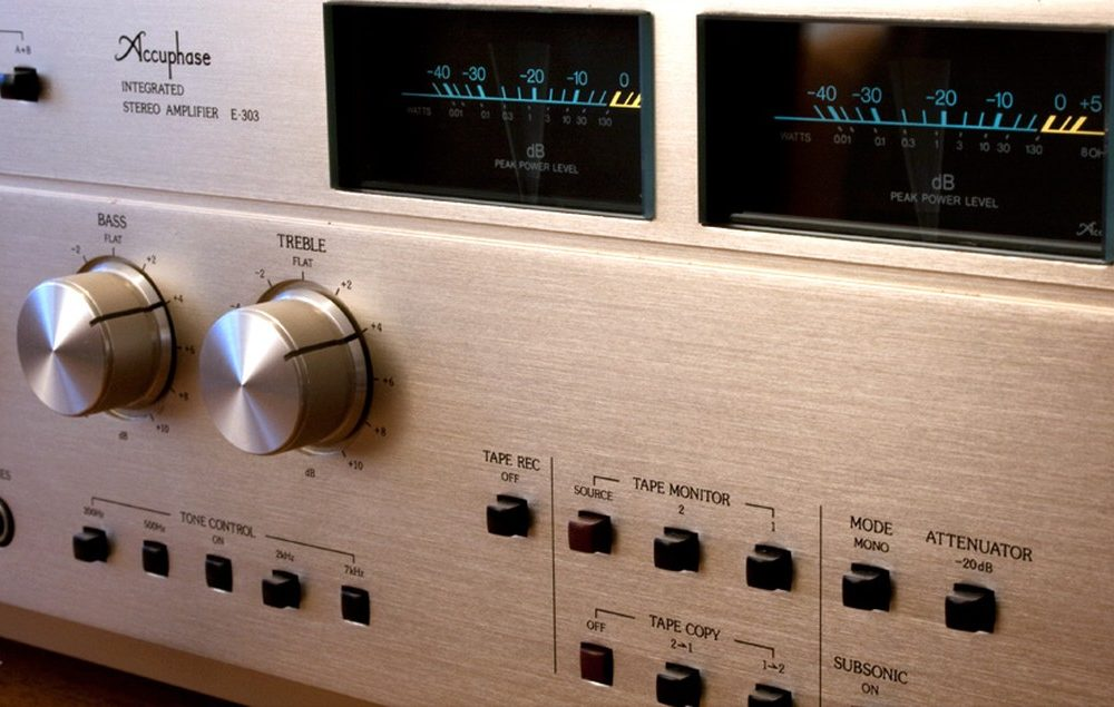 ACCUPHASE E-303 收扩机 (1978)