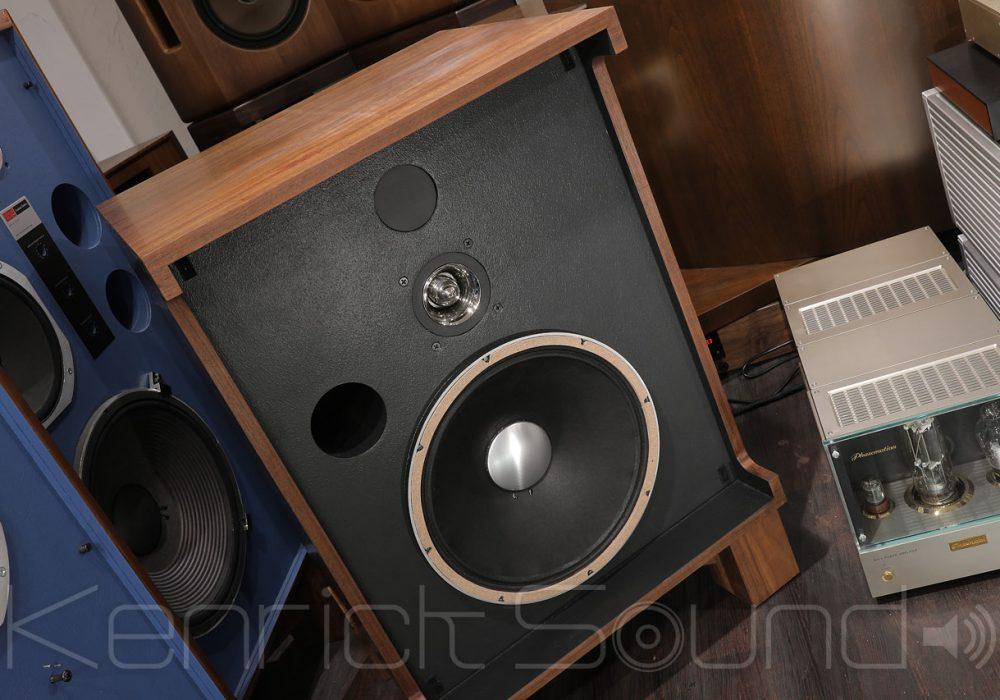 JBL 4320 音箱