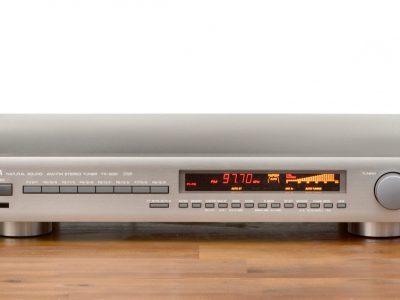 雅马哈 YAMAHA TX-930 AM/FM Tuner 收音头