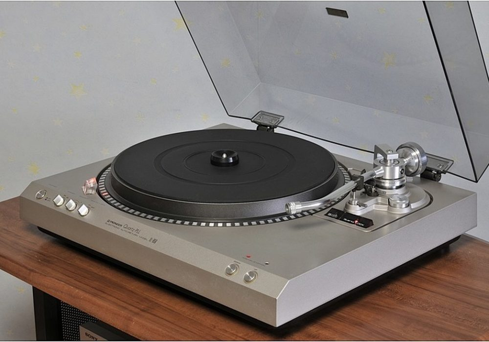PIONEER XL-1650 黑胶唱机
