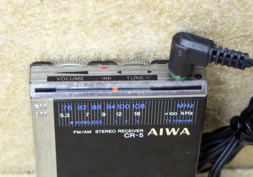 AIWA CR-5 FM/AM 迷你收音机