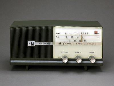 ビクター真空管ラジオ MODEL F-212 2BAND FM/MW 価値ある実用中古品!