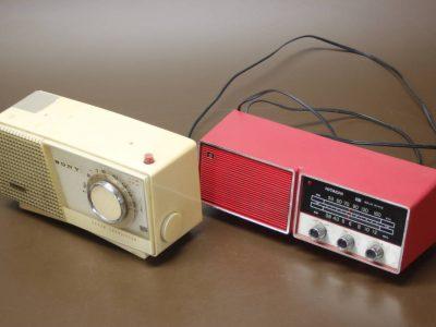 HITACHI W-542 + SONY TR-712-B 收音机