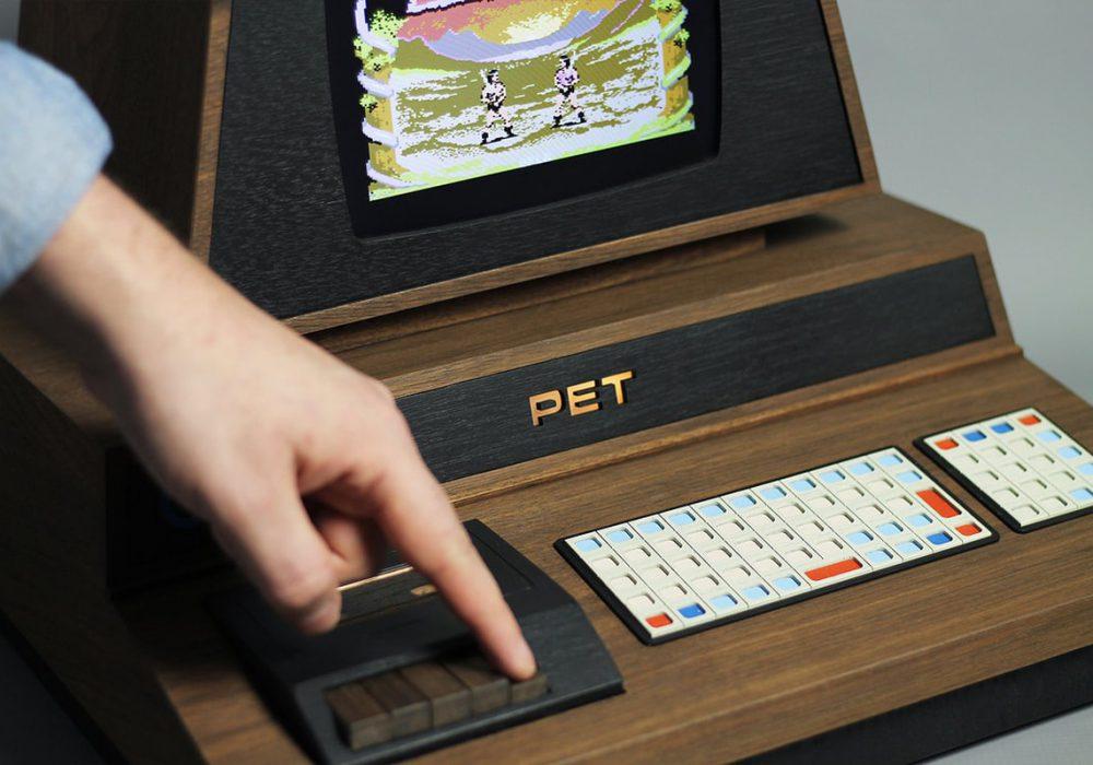 PETdelux 游戏机 - LOVE HULTEN