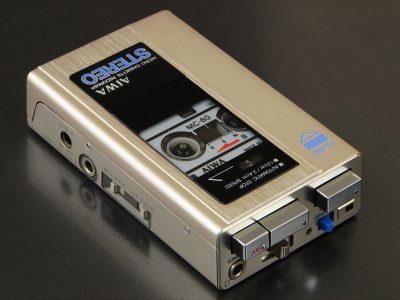 爱华 AIWA HS-M2 微型磁带录音机