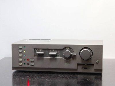 QUAD 44 前级放大器