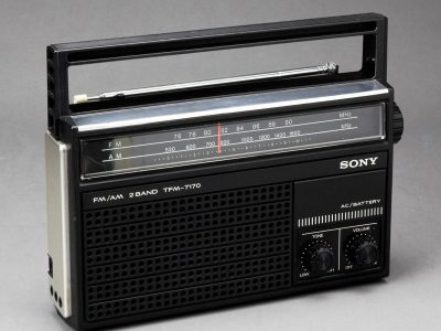 SONY TFM-7170 FM/AM 收音机