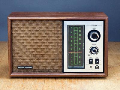 National Panasonic RE-675 AM/FM 收音机