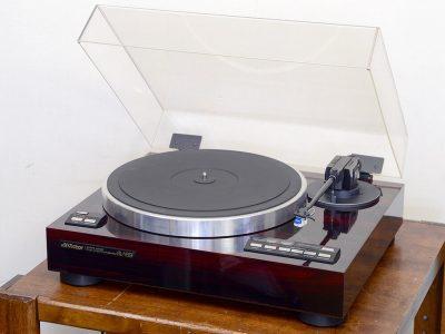 VICTOR QL-Y66F 黑胶唱机