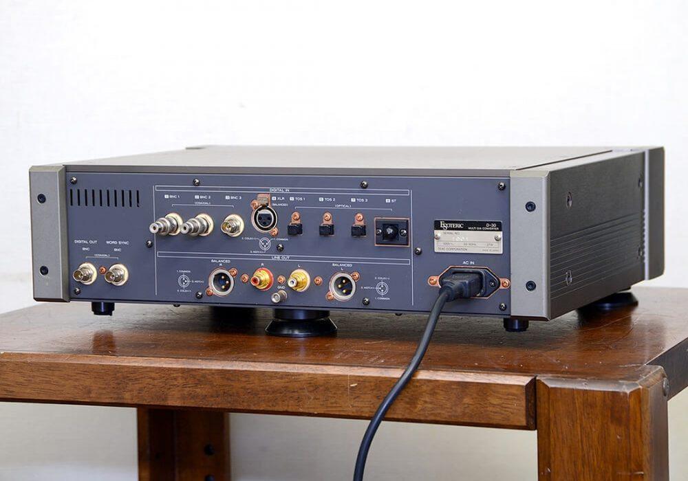 ESOTERIC D-30 D/A 解码器