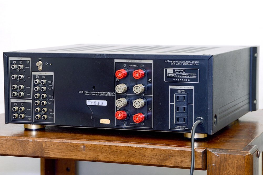 SANSUI AU-α607 功率放大器