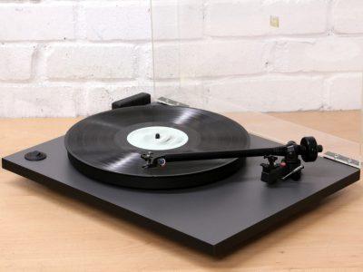NAD C552 黑胶唱机