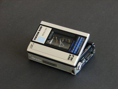 爱华 AIWA HS-J07 (HS-J400) 磁带随身听