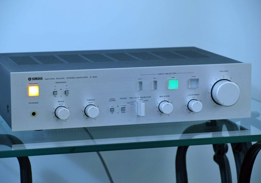 雅马哈 YAMAHA A-550 功率放大器