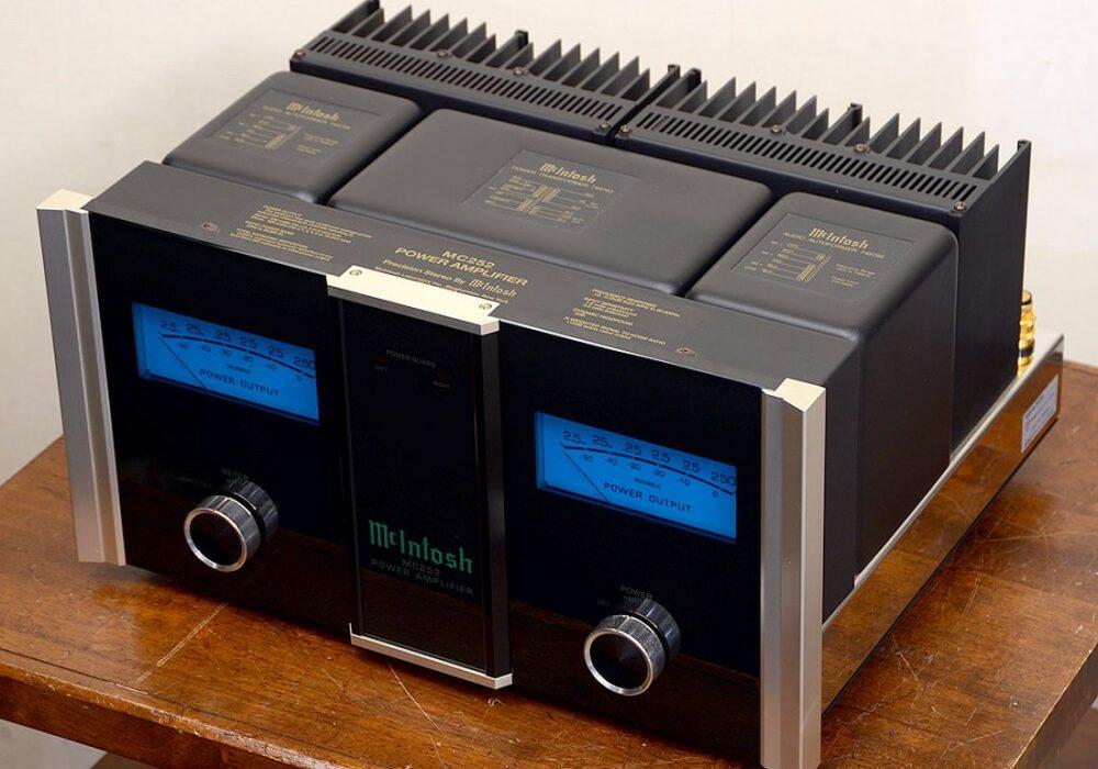 McIntosh MC252 功率放大器