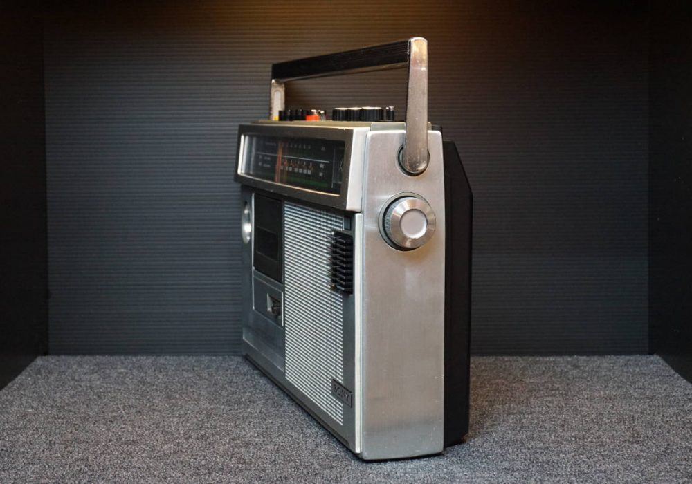 SONY CF-1790 单卡收录机