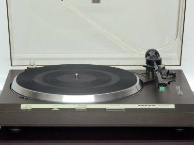GRUNDIG PS-2500 黑胶唱机
