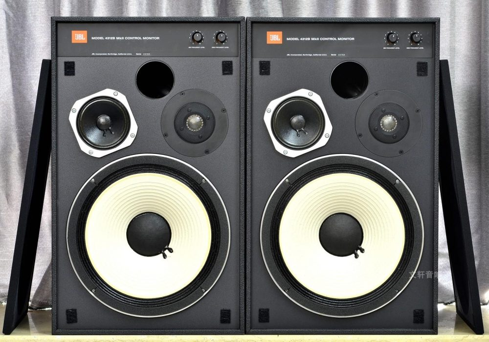 JBL 4312B 经典监听音箱