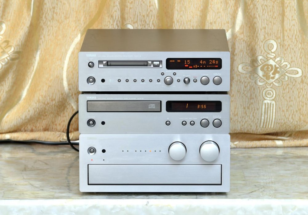 雅马哈 YAMAHA AX-9 功放+CD +MD 音响组合