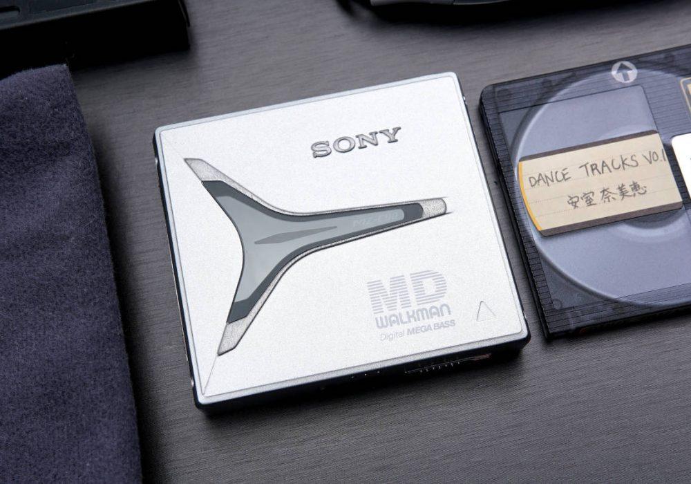 索尼 SONY高音質MD WALKMAN便携 MD播放器 MZ-E90 シルバー