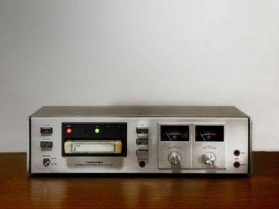 TOSHIBA PE-150 8轨 磁带卡座